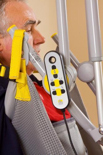 Handi-Move  - Lève-personne mobile 2600 (Victor) , Lève-personne avec fléau basculant 2610 (Victor) , Sangle de toilette avec support de tête , Le fléau basculant électrique
