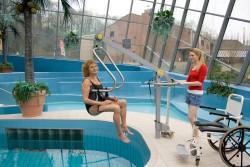 Soulève-personne mobile de piscine , Châssis-mains Handi-Move