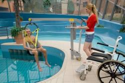 Fléau Classique , Lève-personne mobile de piscine , Sangle de bain avec support de tête